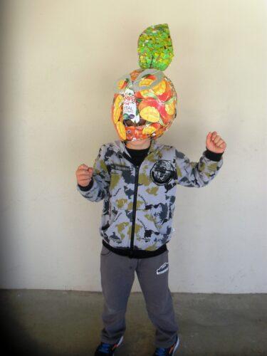 A laranja ou a toranja - máscara cabeçudo