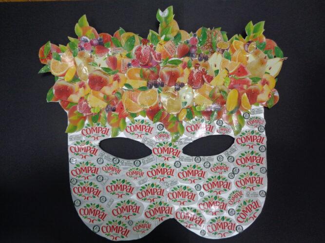 Finalmente e depois de muitas mãos a ajudar, a máscara ficou concluída!