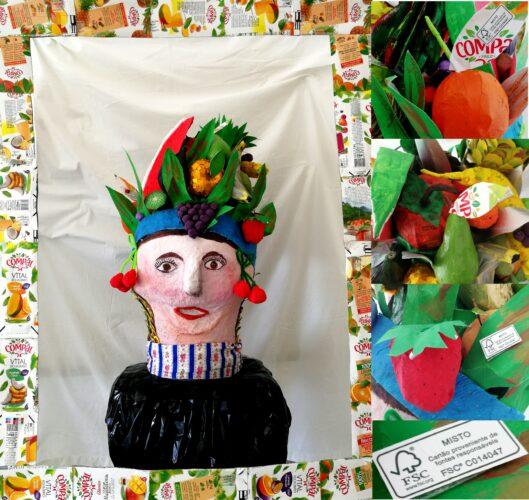 6 – A máscara em exposição com detalhes dos frutos onde é visível a marca FSC