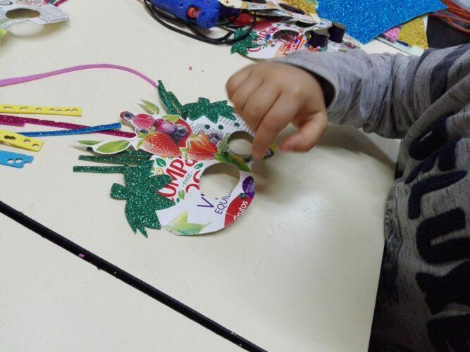 Elaboração e decoração da mascarilha