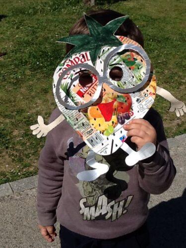 Máscara de um morango.