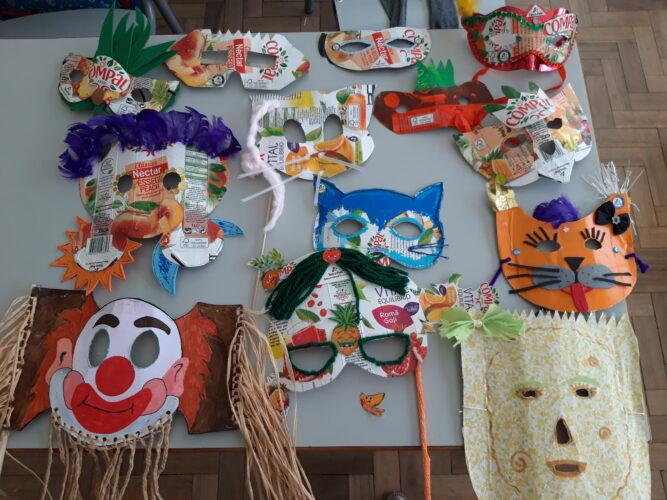 Máscaras realizadas pelos alunos