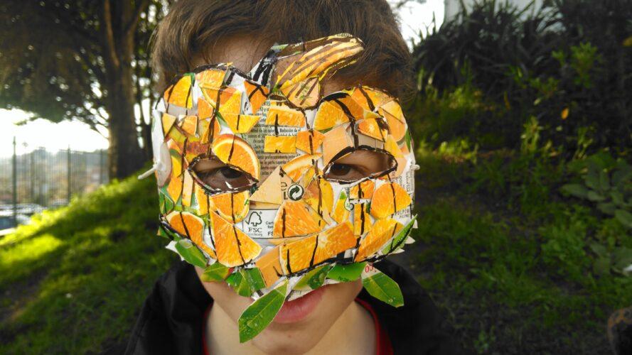Aluno com Máscara individual_Abóbora