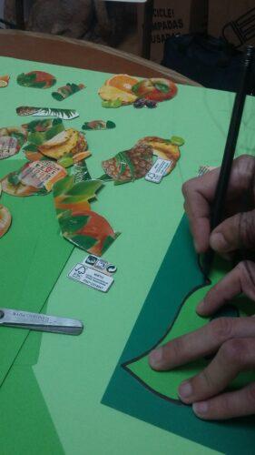 Detalhes de elementos da embalagem - FSC e Tetra Pak