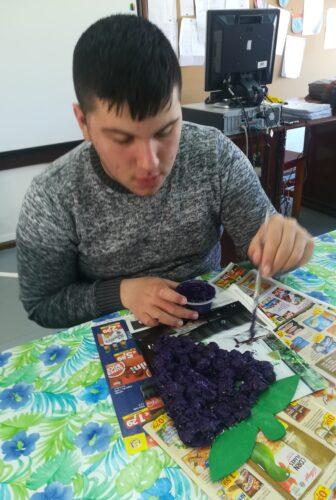 Pintando os bagos.